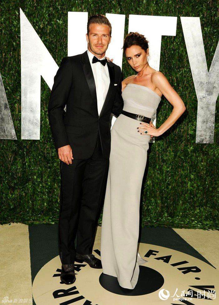 贝克汉姆夫妇,也是一对情侣装穿搭的范本.-15对热搜榜明星夫妻穿