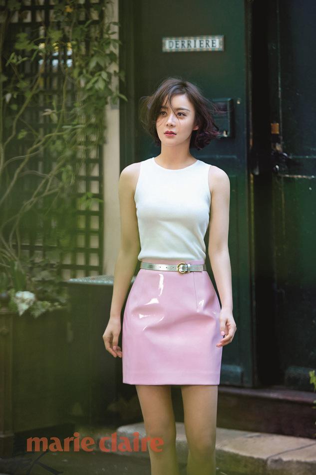 袁姗姗短裙撩人 大秀美腿过夏天