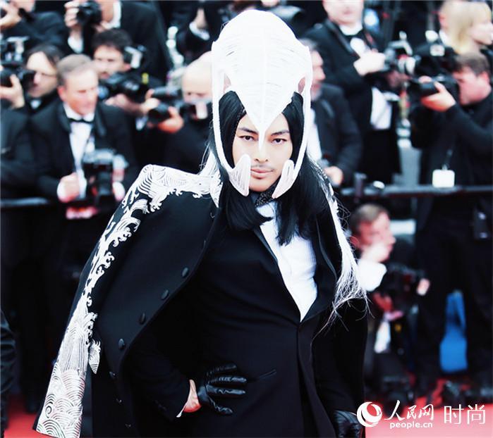 第69届戛纳红毯 井柏然错失红毯 缪艺豪成唯一中国亮相红毯男星