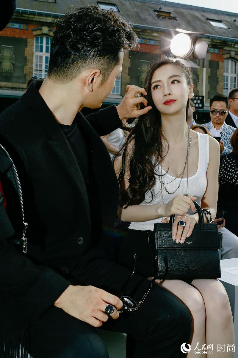 黄晓明baby夫妇看秀轰动巴黎时尚圈  引外国粉丝尖叫【5】