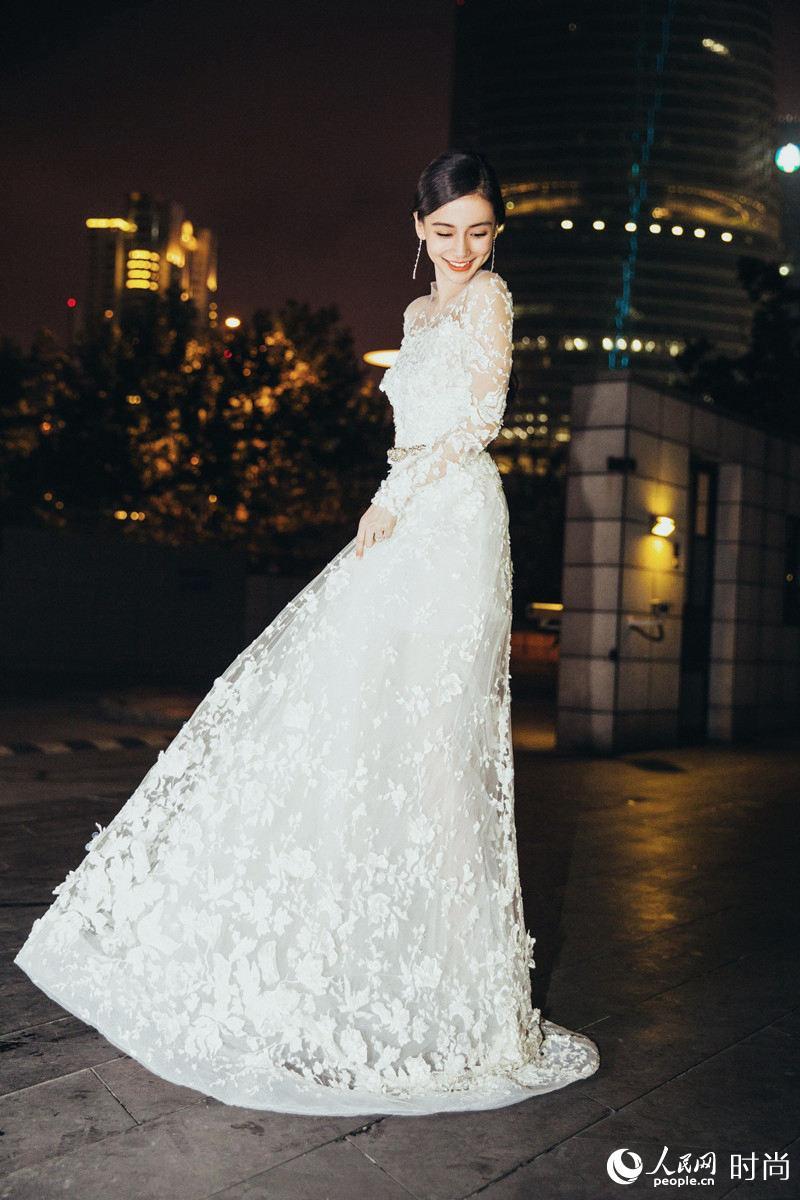 白裙飘飘打造唯美女神范 舒淇气质angelababy仙气十足