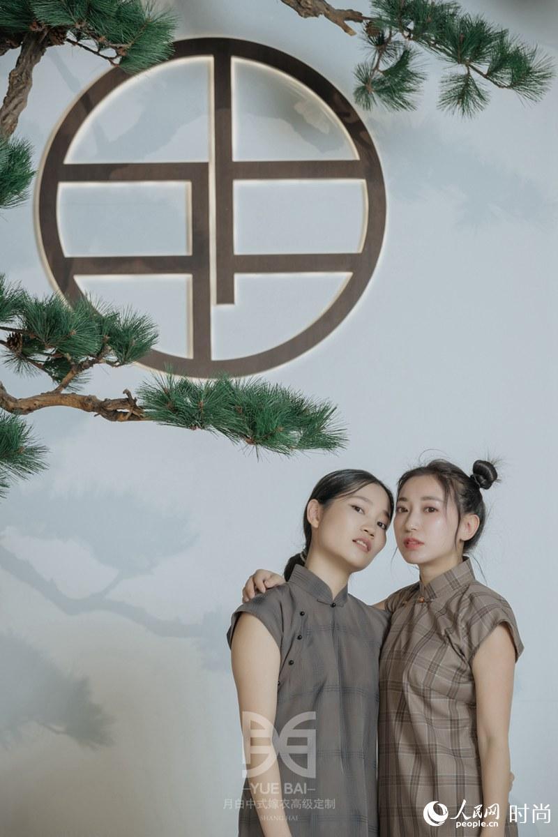 pk10冠军固定公式大全▓陆恩华亲子装:这些童装是幸福的传承