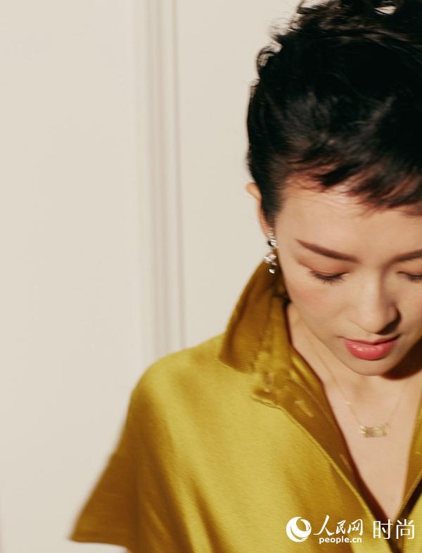 章子怡黄色丝绸长裙盛装出席华表奖气场全开【4】