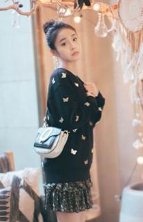 张佳宁首次亮相巴黎时装周